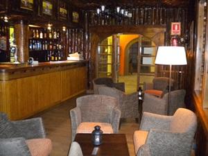 Solineu- Bar de fusta 1