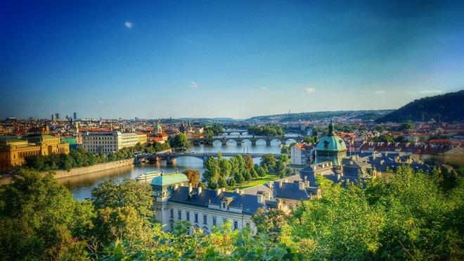 Praga Accesible Con Visita a Viena @travelsadaptado
