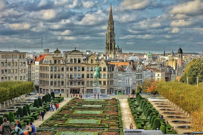 Bruselas Accesible Puente de Diciembre y Fin de Año @travelsadaptado