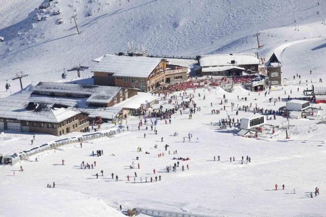 Nos vamos Todos a Esquiar a Sierra Nevada @travelsadaptado