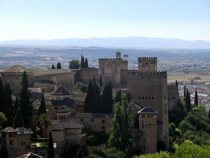 alhambra-454277_1280