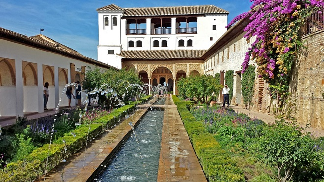 Visitas gratuitas a la Alhambra con carta del colegio y/o asociación @travelsadaptado